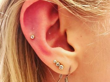 auricle piercing procedure