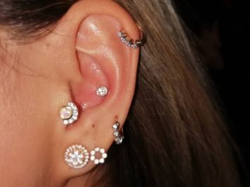 Conch Piercing 50 Ideas And Complete Guide Rightpiercing