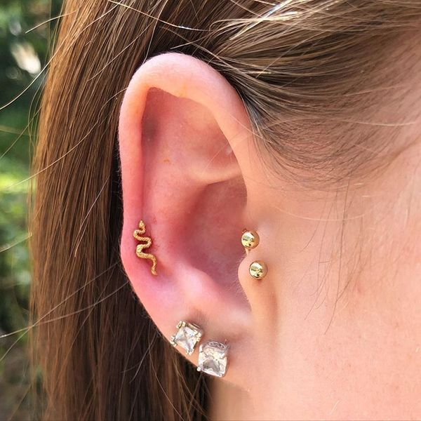 jewelry auricle ear piercing