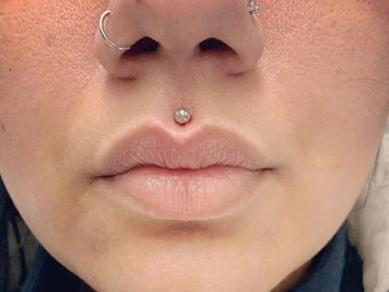 philtrum lip piercing