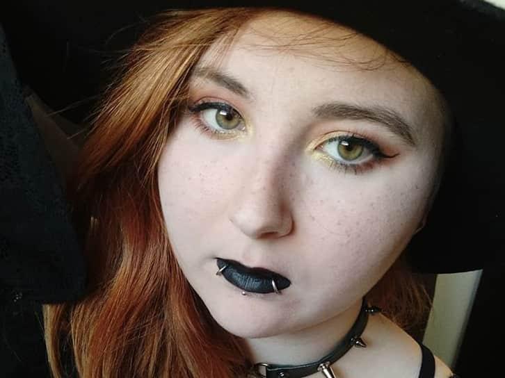 lip piercing rings or studs