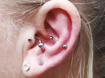 snug and antitragus
