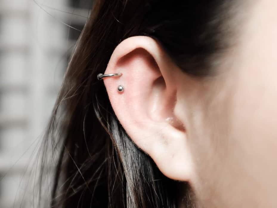 stud hoop double helix piercing
