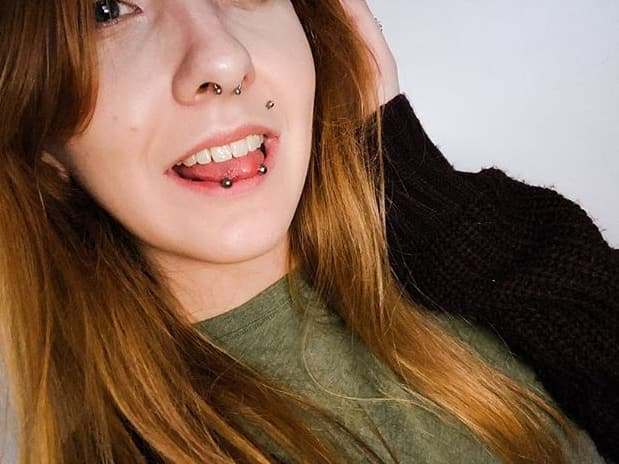 horizontal tongue jewelry