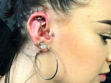 trident piercing image